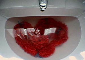 Tvätta upprepat bomullsgarn på härvor