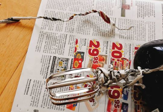 Återvunnet garn? Prova att spinna det av tidningspapper!