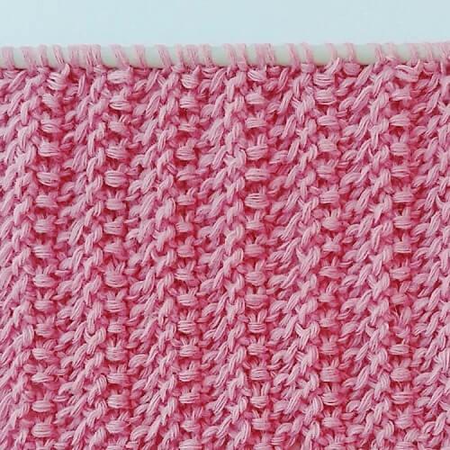 Snyggt stickat strukturmönster till halsdukar, tröjor, filtar. Ja, även herrtröjor.