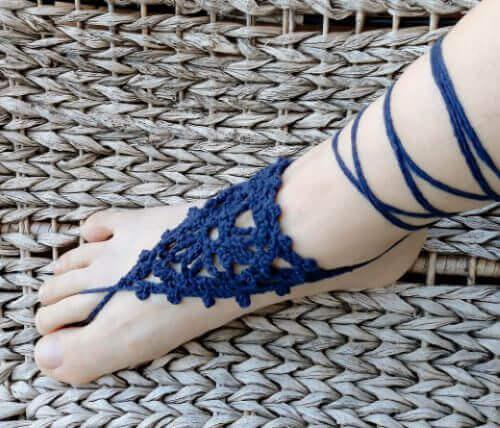 Virka barfotasandaler - gratis mönster till fotsmycken och fotprydnader.