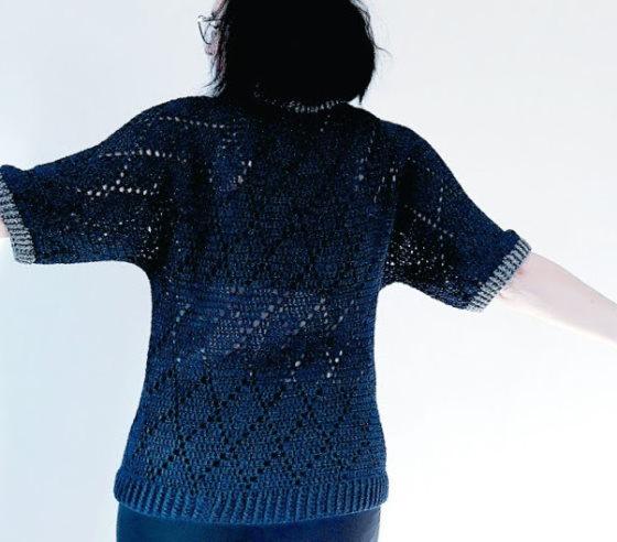 Visst går det att virka tröjor som ser ut som och känns som tröjor!