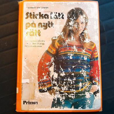 Välförtjänt välläst — biblioteksexemplar av Sticka lätt på nytt sätt från 1975.