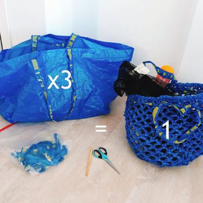 Virka något nytt av garn som du klipper till av Ikeakassar. Ikea-hack!